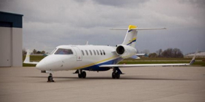 Fly private on a Learjet 40 40XR
