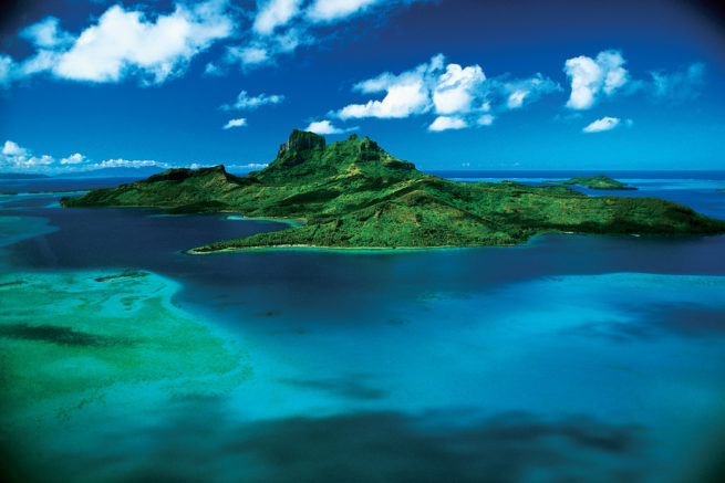 Hire a private jet to Tahiti