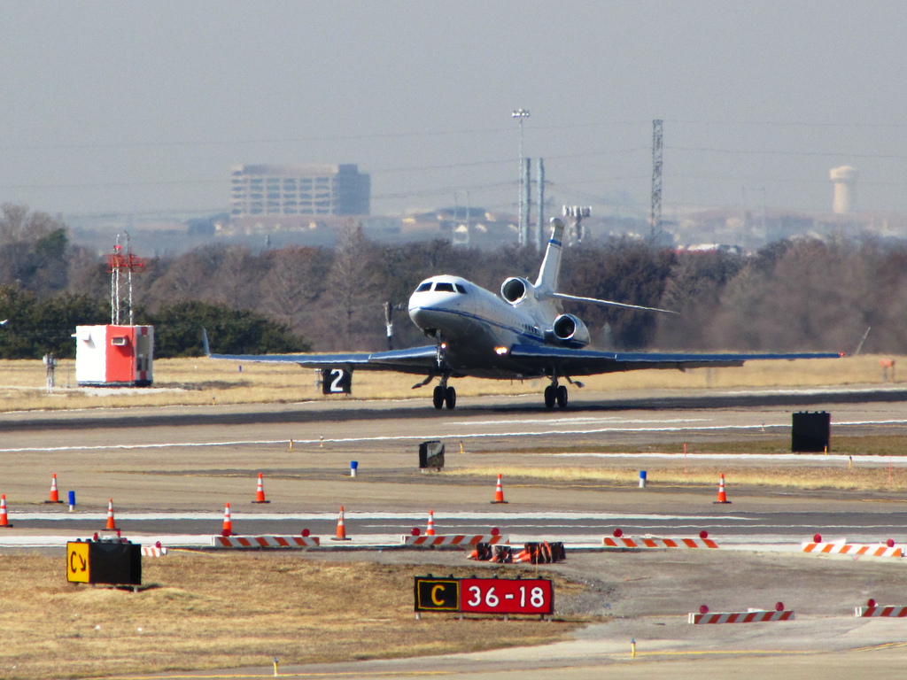 Falcon 7x departing Dallas Love Field