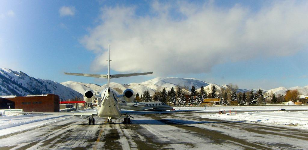 Sun-Valley-SUN-Friedman-Memorial-Airport
