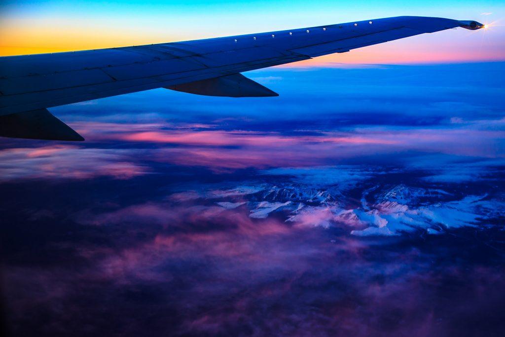 kelowna aircraft charter