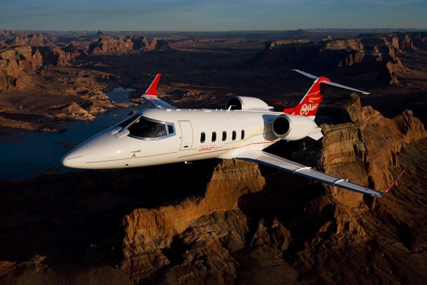 Learjet 60XR midsize jet
