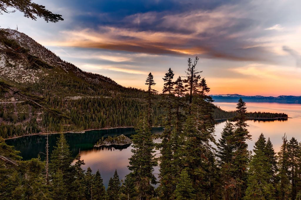 Lake Tahoe charter flights