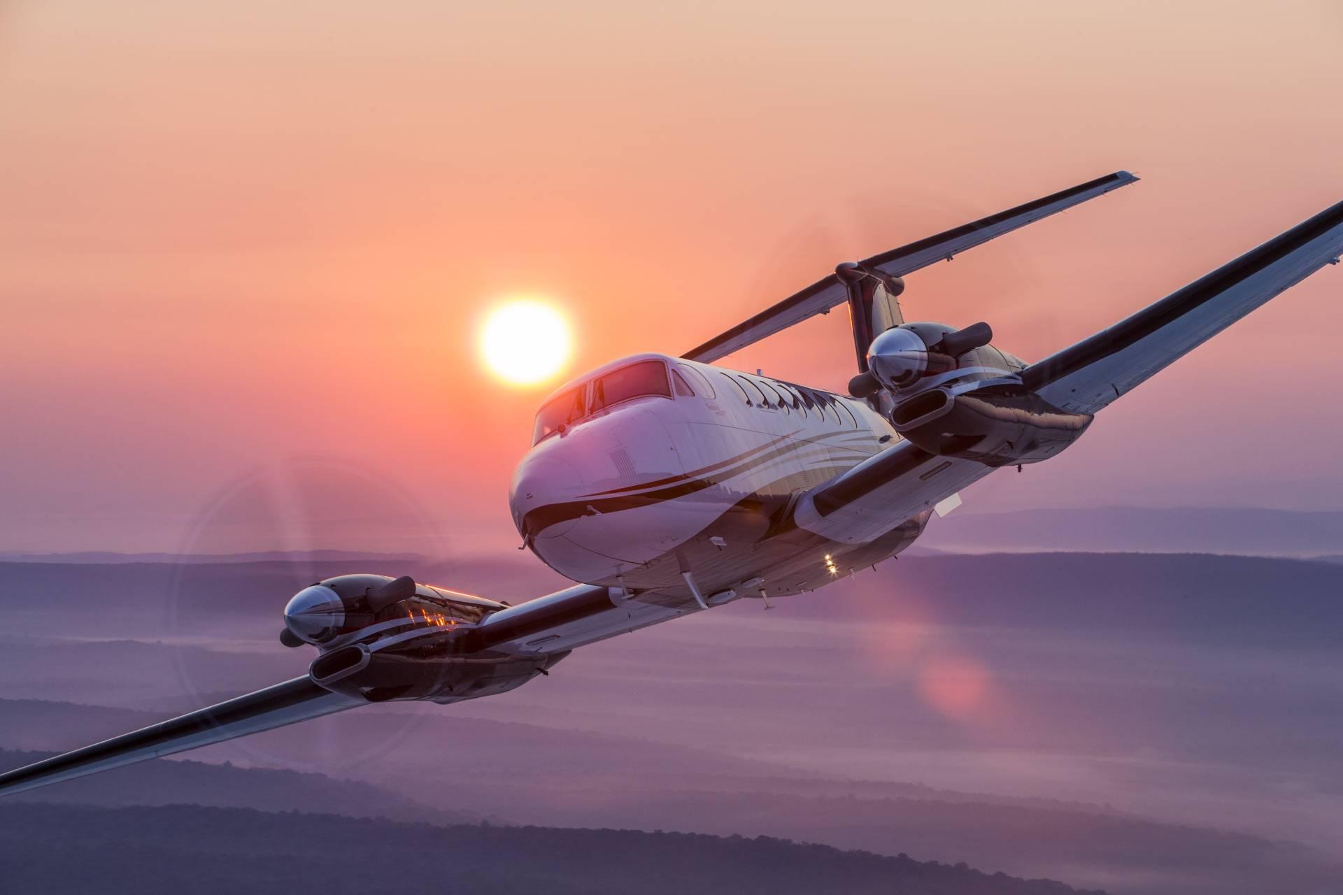 beechcraft charter planes