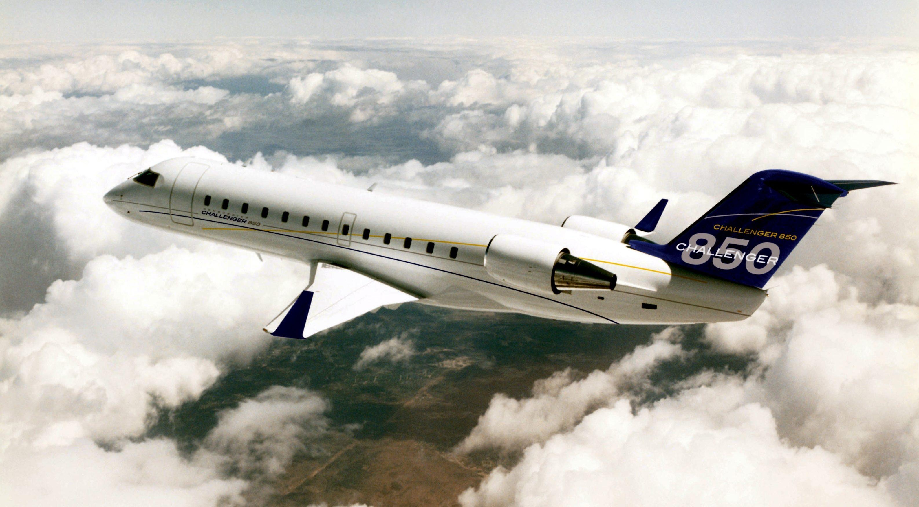 Challenger 850 charter jet