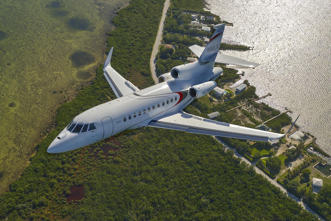 Falcon 900LX business jet