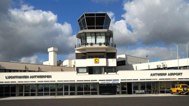 charter planes antwerp airport