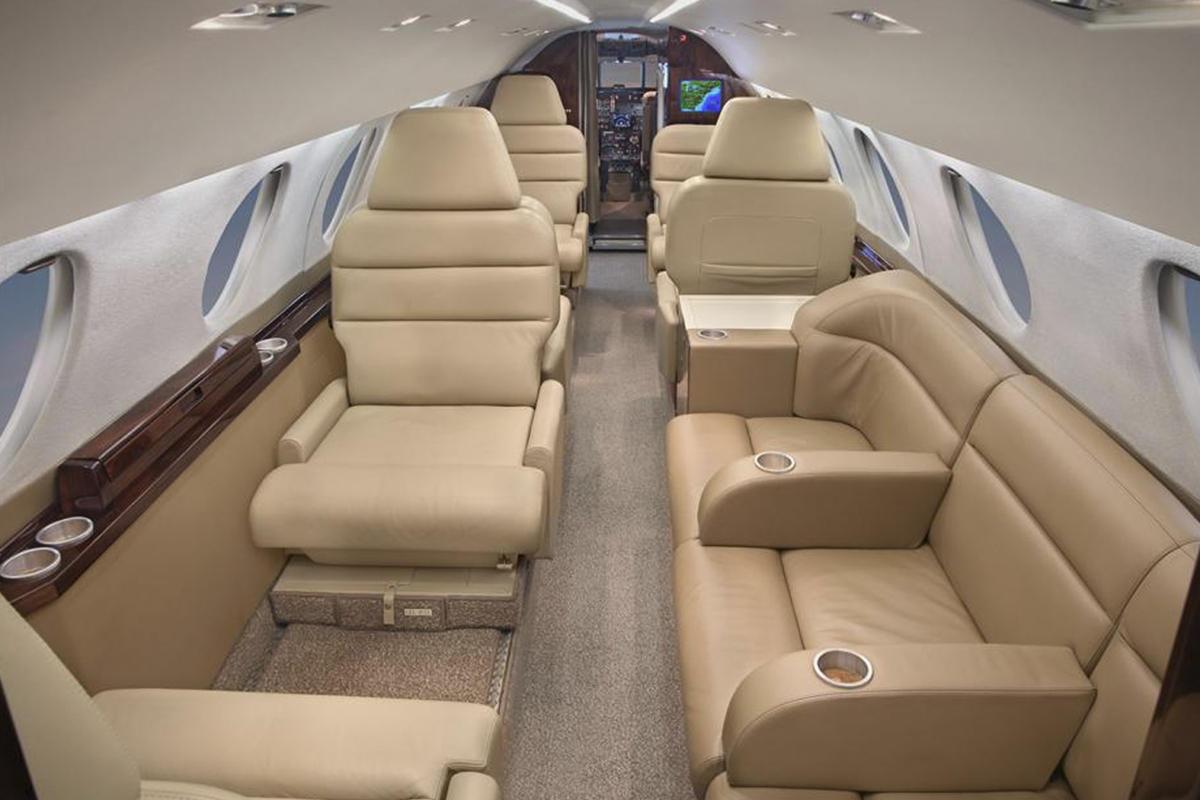 Falcon 20 interior