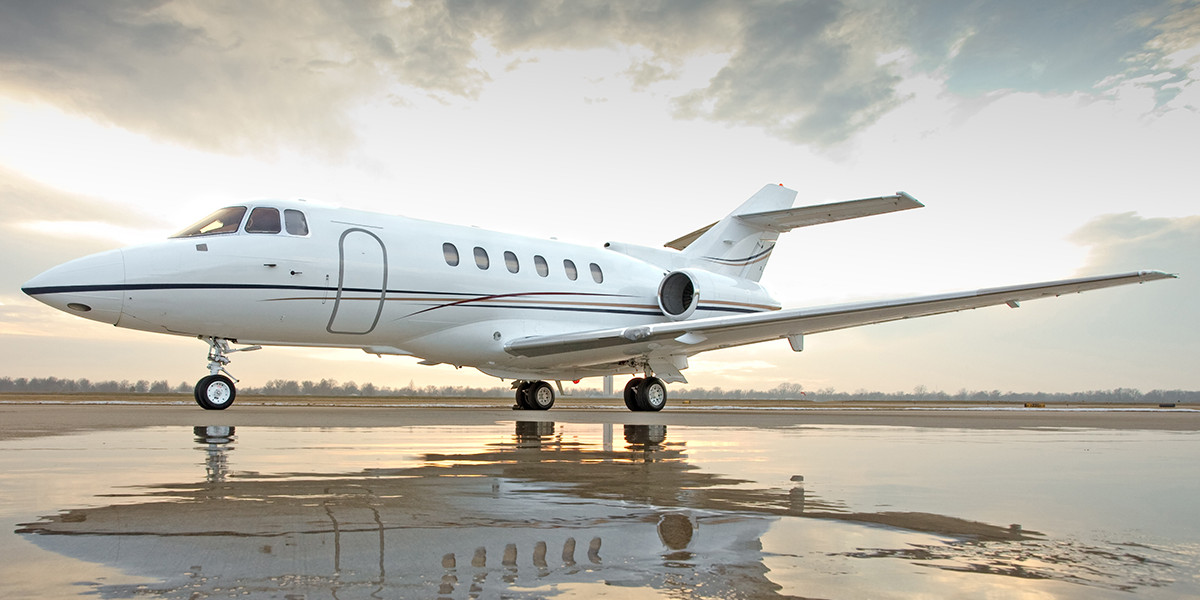 Hawker 800XP Private Jet